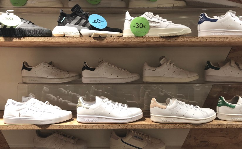 Paris Is Having a White Sneaker MOMENT